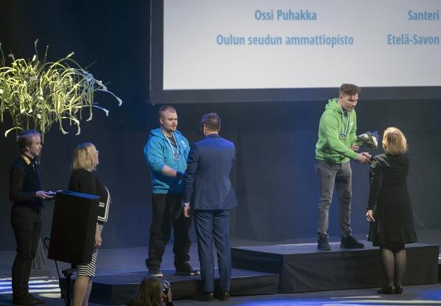 Autokorinkorjaaja Ossi Puhakka sai hopeaa vuoden 2017 Taitaja-kisoissa.