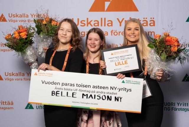 OSAOn Kaukovainion palvelut yksikön opiskelijoiden yritys Belle Maison NY valittiin Suomen parhaaksi toisen asteen NY-yritykseksi. (Kuva: Nuori Yrittäjyys ry)