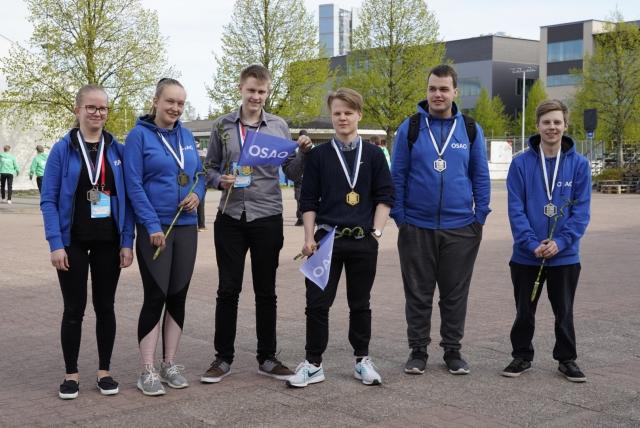 OSAOn Taitaja2019 mitalistit: Tiina Pitkänen, Veera Göös, Pekka Suotula, Mika Jokela, Paulus Kivelä ja Henri Autio.