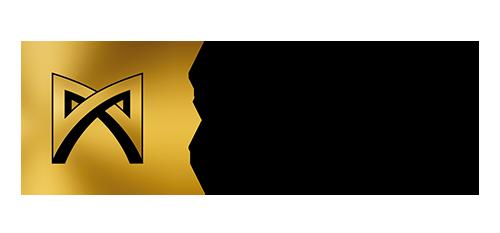 Kultainen neliö, jonka keskellä viivoilla muodostettu hieman kolmiulotteinen kuvio, joka muodostaa ikään kuin teräväkulmaisen rusetin tai vaakasuuntaisen kahdeksikon. Kultaisen laatikon vieressä musta teksti, jossa lukee Työsuojelurahasto Arbetskyddsfonden The Finnish Work Environment Fund.